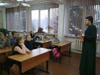 Беседа школьников с иереем Кириллом Гусевым