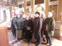 Храм встречает группу пенсионеров