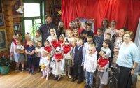 Пасхальный праздник в воскресной школе. Спектакль «Легенда о Красношейке»